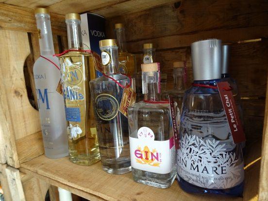 vodka gin le petit chai caviste la grande motte gin mare lybr gm grape sud figanis