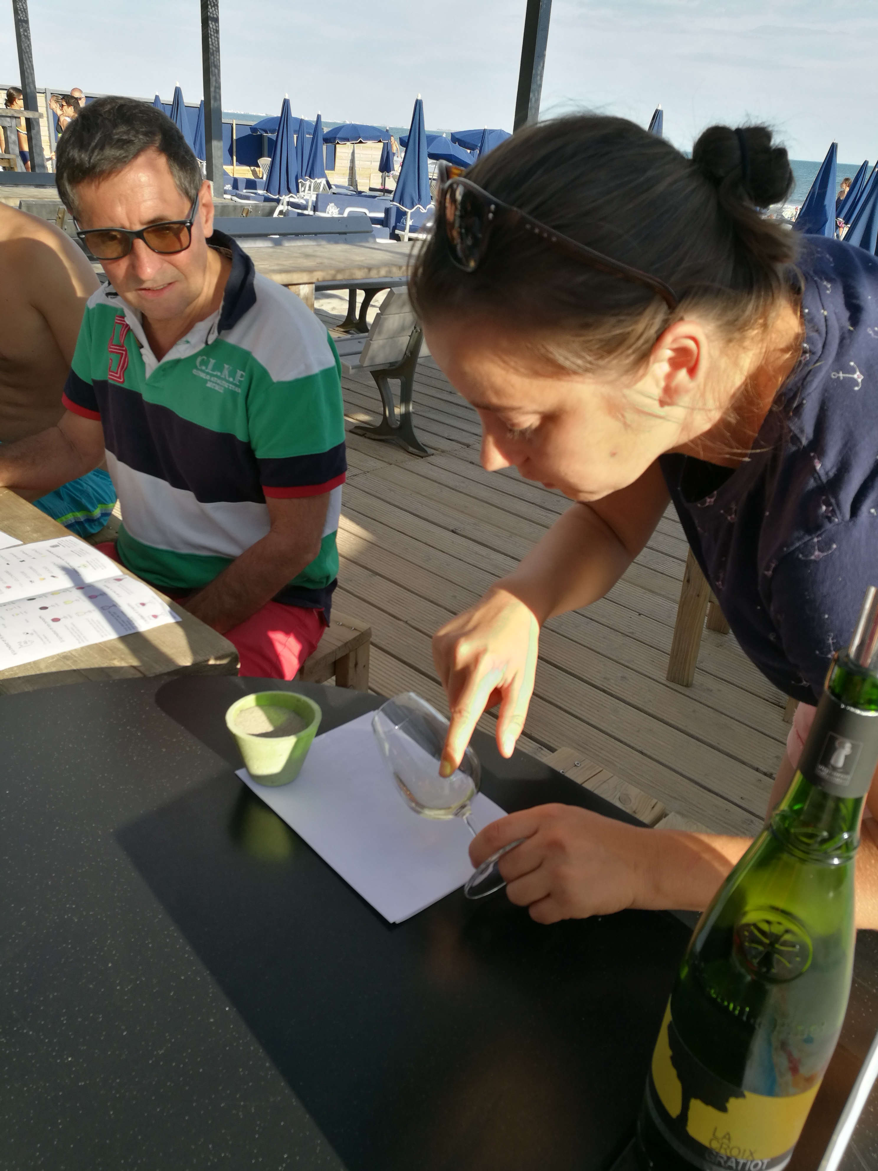 atelier initiation le petit chai caviste la grande motte oenologie cave vin vins stage degustation plage rose des vents
