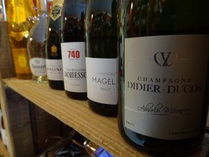 champagne le petit chai caviste la grande motte ducos magelie jacquesson bollinger ruinart roderer