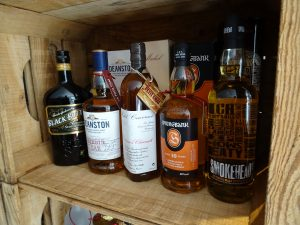 whiskies le petit chai caviste la grande motte wisky black bottle deanston couvreur springbang smokehead ecossais single malt blend