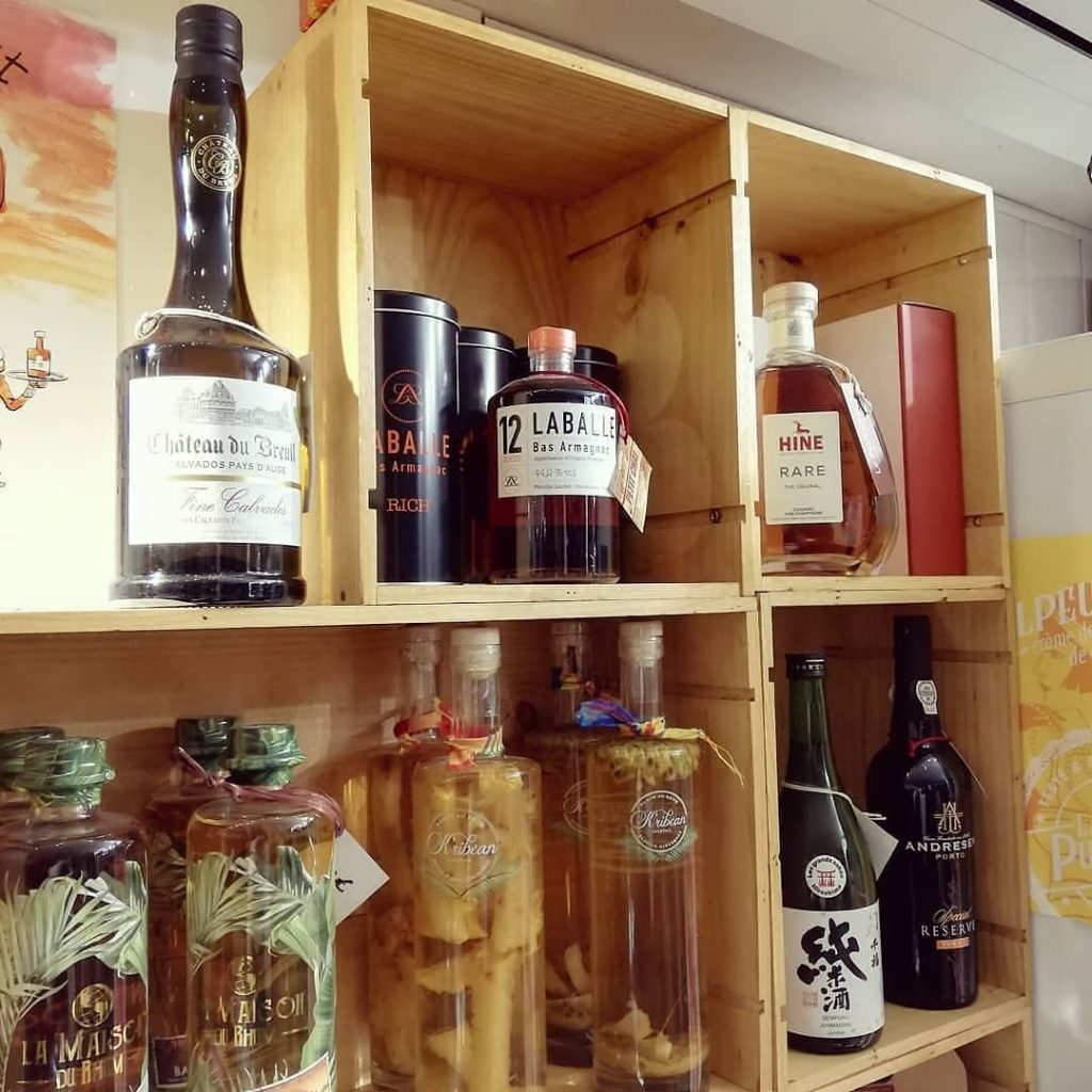 cognac armanac calvados rhum whisky sake porto caviste la grande motte le petit chai cave a vin